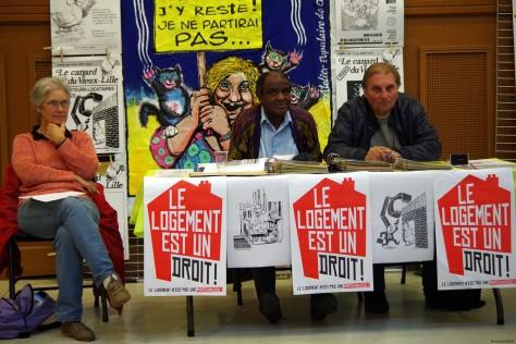 Les militants de l'APU tiennent fièrement le stand lors de la Journée des Droits des Habitants.